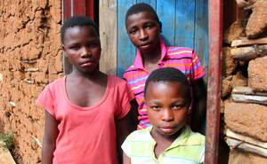 Three Aids orphans in Swaziland. (Source: Ralf Krämer)